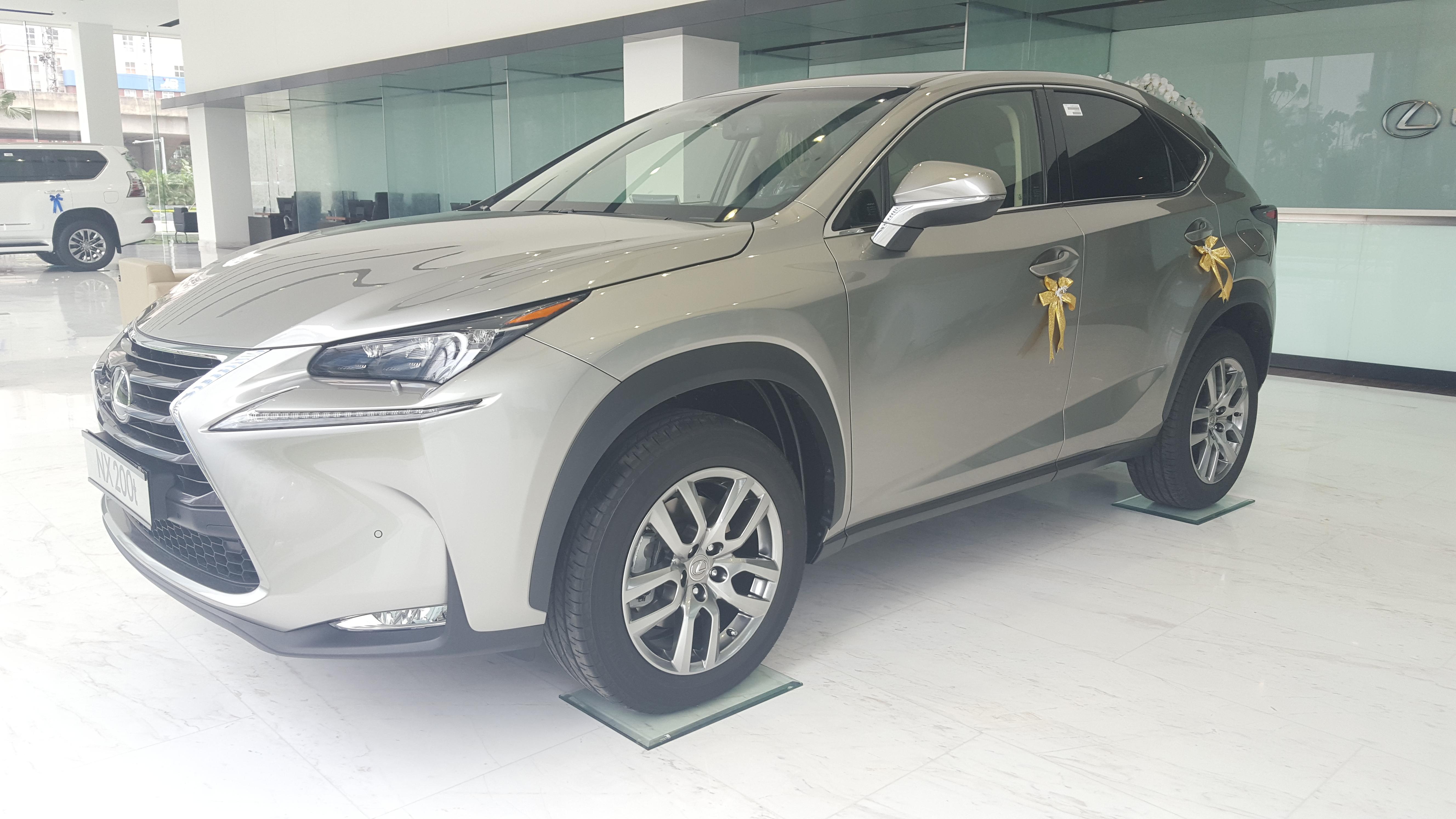 ban-xe-lexus-nx-200t-gia-re