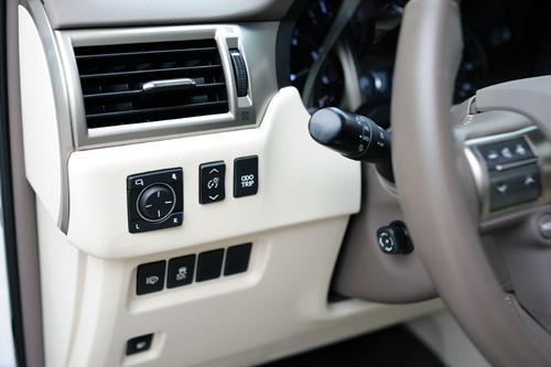 Lexus-GX460-2016-VnE-40-1990-1457319112