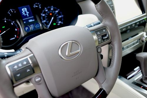 Lexus-GX460-2016-VnE-41-2212-1457319113