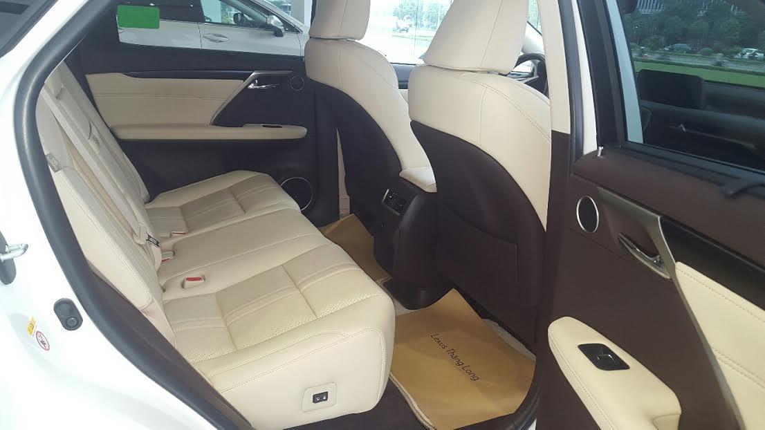 noi-that-sang-trong-cua-xe-lexus-rx-200t